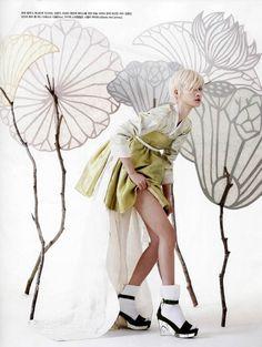 Vogue Korea May 2013 Photographer: Gun-Ho Lee Model: Hyun-Yi Lee Stylist: Young-Hee Se, Korean fashion Korean Traditional Clothes, Traditional Fashion, Traditional Outfits, Asian Fashion, Fashion Art, Editorial Fashion, Fashion Design, Fashion Studio, High Fashion