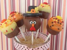 Thanksgiving cake pops these are oober cute! Thanksgiving Cake Pops, Thanksgiving Parties, Thanksgiving Ideas, Thanksgiving Decorations, Yummy Treats, Sweet Treats, Healthy Treats, Healthy Kids, Healthy Nutrition