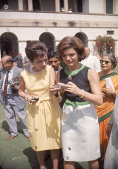 23 Captivating Color Photos Of Jackie Kennedy's Trip To India