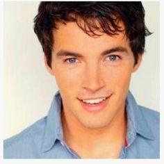 Ezra Fitz soo gorgeous!