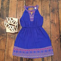 Gorgeous little sundress! ($46), wedge ($46). #frankieandjules #color #print #vibrant #dress #sundress #vaca #warmweather #sunnydays #ootd #weship #hurryin #boutiquestyle #instastyle