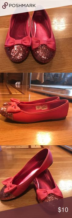 Pink sparkly shoes Pink sparkly shoes, comfortable, with cute bows at the front. GAP Shoes Flats & Loafers