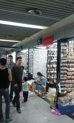 ...und noch mehr Mini- Läden...