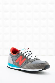 New Balance 420 Runner Trainers in Grey, Urban Outfitters