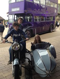 Hagrids motorbike and side car