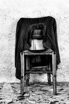 Fine art photography black and white Chair by MiTierraEsTuTierra