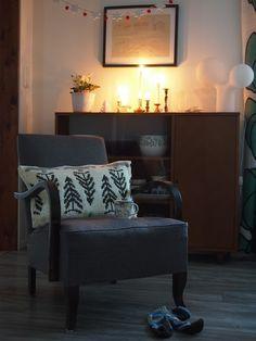 Pilviraitti: joulu Wingback Chair, Christmas Diy, Accent Chairs, Furniture, Home Decor, Upholstered Chairs, Decoration Home, Room Decor, Wing Chair