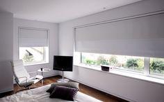 ¿Necesitas cortinas o estores para un dormitorio pequeño? Las enrollables Bandalux de Mallorca Blinds te brindan todas las facilidades de manejo, diseño e instalación.