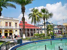 Vista de la Casa de Fierro de la Plaza de Armas en Iquitos, Perú