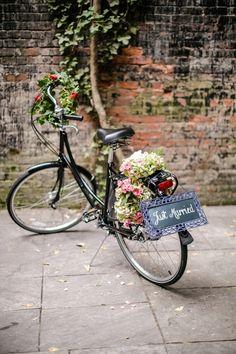 Wedding flower bicycle