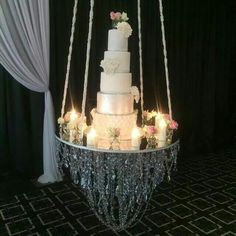 """""""Teamed with our favs at tonight we revealed the very first hanging hanging cake feature!and my god did we recieved…"""" Wedding Cake Centerpieces, Cake Table Decorations, Wedding Decorations, Wedding Ideas, Wedding Pictures, Wedding Details, Black Wedding Cakes, Beautiful Wedding Cakes, Beautiful Cakes"""
