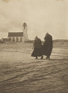 Alfred Stieglitz. Scurrying Home. 1894 | MoMA Alfred Stieglitz, Museum Photography, Gelatin Silver Print, National Gallery Of Art, Film Stills, Moma, Art Institute Of Chicago, Museum Of Fine Arts, Artistic Photography