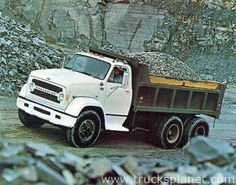 Conventional cab models of Series 70 and 80 with BBC were offered with either gasoline or diesel power, and actually were up-rated versions of the medium-duty Series Short cab design gave reduced overall length and increased maneuverabili Big Chevy Trucks, Big Rig Trucks, Dump Trucks, Chevrolet Trucks, Old Trucks, Vintage Tractors, Vintage Trucks, General Motors, Gmc Vans