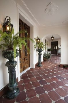 2008 Argentinian Colonial Revival – Famous Last Words Spanish Revival, Spanish Style Homes, Spanish House, Spanish Colonial Decor, Spanish Style Interiors, Spanish Style Bathrooms, Spanish Home Decor, Boho Glam Home, Hacienda Style Homes
