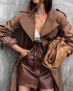 Modetrends in der Lederbekleidung für Damen Neuheiten, Lederbekleidung, Fotobilder Look Fashion, Street Fashion, Girl Fashion, Fashion Outfits, Womens Fashion, Tokyo Fashion, Paris Fashion, Fashion Bags, Fashion Trends