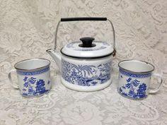 Vintage, Blue Willow 9inx6in Enamel Tea Kettle and 2 Enamel Cups 4.5in x 3.25in