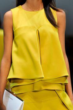 Close up défilé Guy Laroche, prêt-à-porter printemps-été 2014, Paris. #PFW #fashionweek #closeup