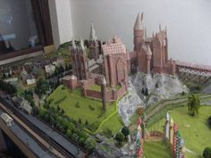 Amazing papercraft! This person has recreated Harry`s castle for all to print on paper! There are numerous parts to download as pdf files - even the quiditch field posts! This is the best Harry Potter free printable ever!