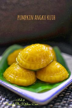 Asian Snacks, Asian Desserts, Sweet Desserts, Asian Recipes, Delicious Desserts, Chinese Recipes, Yummy Food, Malaysian Dessert, Malaysian Food