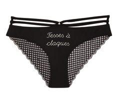 """Be bien culottée ! Culotte  noire en micro printée """"Fesses à claques"""" avec dos en dentelle et bandings en guise de ceinture."""