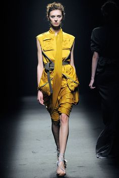 Haider Ackermann Spring 2010 Ready-to-Wear Collection Slideshow on Style.com