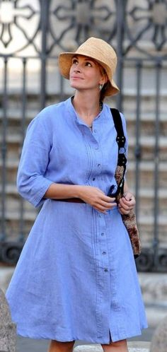 I was thinking I might need a denim dress.  Now I'm sold on the idea. Here is Julia Roberts in one.