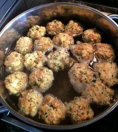 MÉG MINDIG AZ EGYIK LEGJOBB KÖRET A ZSEMLEGOMBÓC Minion, Potato Salad, Food And Drink, Ethnic Recipes, Minions