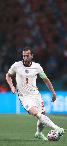 Harry Kane, Tottenham Hotspur Fc, Fifa 20, England Football, Football Team, Lions, Squad, Europe, Running