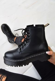 Chunky Platform Lace Up Ankle Boots – Black PU - dragonball. Dr Shoes, Hype Shoes, Me Too Shoes, Golf Shoes, Shoes Men, Flat Shoes, Sneakers Fashion, Fashion Shoes, Fashion Black
