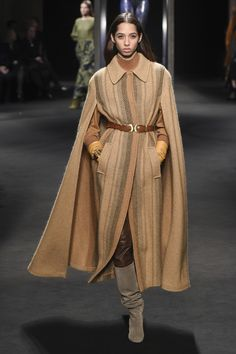 Alberta Ferretti Fall 2018 Ready-to-Wear Fashion Show Collection