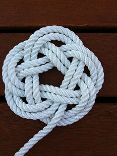Easy Home Decors Easy Home Decors Macrame Colar, Macrame Knots, Micro Macrame, Rope Jewelry, Macrame Jewelry, Rope Crafts, Diy Arts And Crafts, Decorative Knots, Diy Friendship Bracelets Patterns