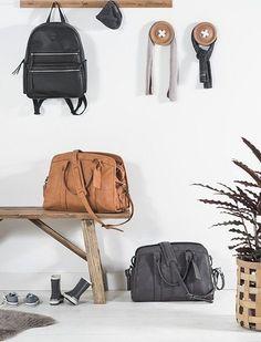 Jollein luiertassen koop je bij babyuitzetonline.nl   https://www.babyuitzetonline.nl/accessoires/luiertassen