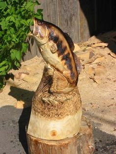 chainsaw wood carving fish