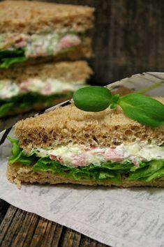 Kakkuviikarin vispailuja!: Kolmioleivät Sandwich Cake, Sandwiches, Wedding With Kids, Bon Appetit, Food Inspiration, Party Planning, Tapas, Picnic, Food And Drink