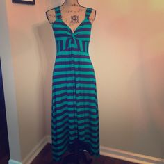 "✨ Navy blue & green striped hi low maxi dress ✨ ✨ // Navy blue & green striped hi low maxi dress // size M // super comfortable // 43 "" L  front // 50.5 "" back // ✨ Spense Dresses Maxi"