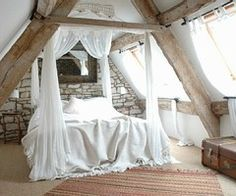 LOVE the canopy bed. Also looks relaxing :)