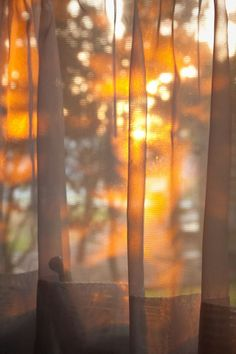 sunrise thru the curtain - Ana Rosa Window View, Through The Window, Jolie Photo, Morning Light, Light And Shadow, Golden Hour, Aesthetic Wallpapers, Sunlight, Art Photography