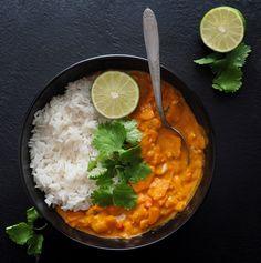 Un délicieux curry de patates douces cuisiné avec le COOK EXPERT de MAGIMIX ! Curry Coco, Plat Vegan, Going Vegan, Food For Thought, Bon Appetit, Food Inspiration, Entrees, Vegan Recipes, Food And Drink