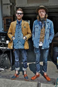 Afraid of double denim? Here's a double double denim that works. Estilo Hipster, Hipster Grunge, Denim Fashion, Look Fashion, Fashion Outfits, Stylish Men, Men Casual, Street Style Vintage, Moda Formal