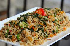A Quick Jamaican Callaloo Fried Rice Recipe. Jamaican Cuisine, Jamaican Dishes, Jamaican Recipes, Jamaican Callaloo Recipe, Jamaican Rice, Vegetarian Fried Rice, Vegetarian Recipes, Healthy Recipes, Healthy Meals