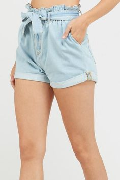 Wishlist Boot Scoot High-Waisted Mom Shorts - Light Denim on Garmentory Denim Shorts Outfit, Ripped Jeans Outfit, Bow Shorts, Belted Shorts, Ruffle Shorts, Ripped Denim, Denim Outfits, Denim Overalls, Paper Bag Shorts