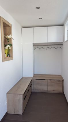 Einbau Garderobe Weiß Und Holz Mit Kleiderstange