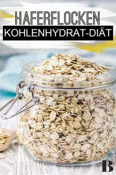 Oatmeal Diet: Lose Weight With Carbohydrates? Oatmeal is popular as a food and can be spiced up in muesli. You can find out here whether you can lose weight with an oatmeal diet. Healthy Diet Tips, Healthy Meals To Cook, Healthy Protein, Paleo Diet, Keto, Muesli, Granola, Kefir Benefits, Oatmeal Diet