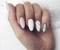 Nail art Christmas - the festive spirit on the nails. Over 70 creative ideas and tutorials - My Nails Silver Nails, White Nails, Pink Nails, My Nails, Glitter Nails, Glitter Art, Silver Glitter, Nail Manicure, Nail Polish