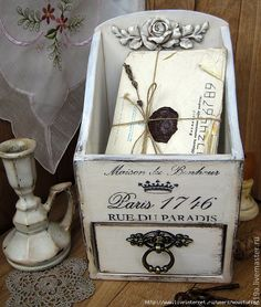 Nice box to store my mails Decoupage Art, Decoupage Vintage, Vintage Crafts, Shabby Vintage, French Vintage, Sewing Machine Drawers, Iron Orchid Designs, Altered Boxes, Painting On Wood