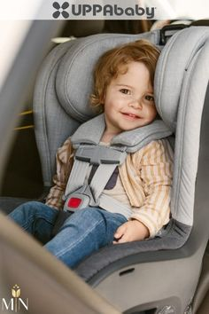 From baby to big kid, the KNOX Convertible Car Seat is packed with intuitive safety features and easily adapts as children grow and their positioning needs change. Sippy cup or water bottle, the KNOX includes a removable cup holder that can attach to either side of the seat. When spills happen, the seat base fabric can be removed for easy cleaning! Head And Neck, Baby Gear, Big Kids, Convertible, Baby Car Seats, Children, Safety, Water Bottle, Base