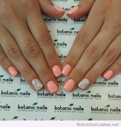 Botanic nails light orange and white
