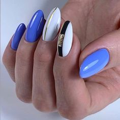 Semi-permanent varnish, false nails, patches: which manicure to choose? - My Nails Neon Nails, Matte Nails, Blue Nails, Manicure Gel, Shellac Pedicure, Gorgeous Nails, Pretty Nails, Almond Nails Designs, Stylish Nails