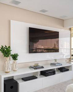 Painel TV sala - Home Theater Home Room Design, Home Interior Design, Home Living Room, Living Room Decor, Modern Tv Room, Living Room Tv Unit Designs, Tv Wall Design, Minimalist Living, Minimalist Decor