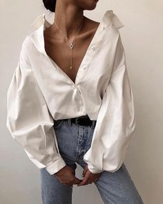Puff sleeve cotton blouse A luxe 70 count cotton compact yarn shirt treated with liquid ammonia Looks Street Style, Looks Style, Looks Cool, Style Me, Classic Style, Mode Outfits, Fashion Outfits, Womens Fashion, Fashion Tips